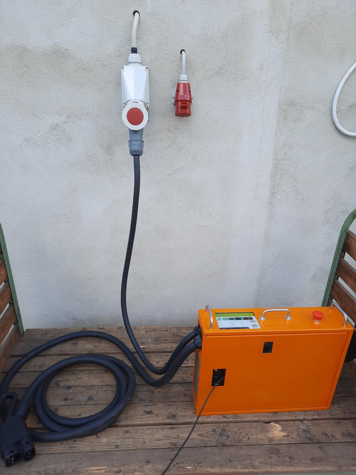 20 kW Mobile Schnelladestation LadeEngel Go20 CCS CHAdeMO DC Fast Charger